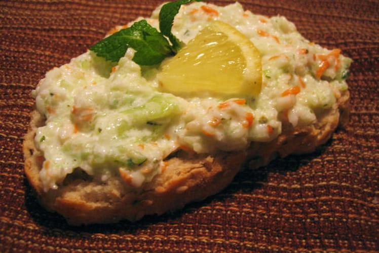 Toasts surimi-concombre à la menthe