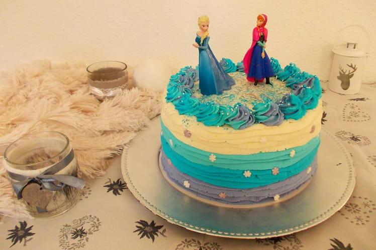 Ruffle layer cake Reine des Neiges au Kinder