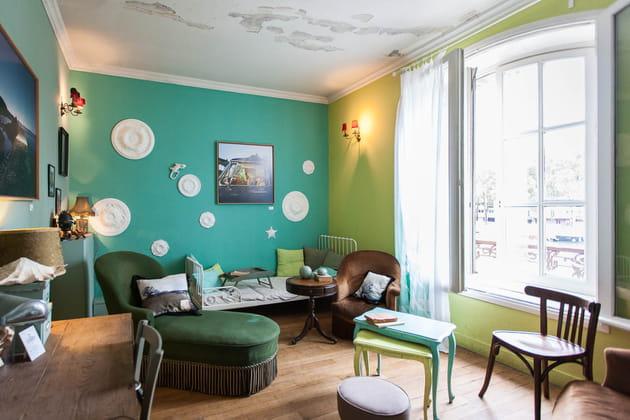 Une chambre dans les tons verts