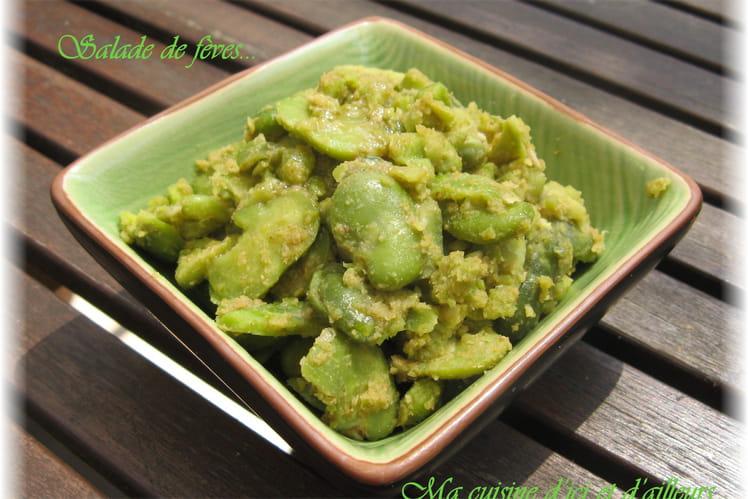 Recette de salade de f ves la recette facile - Cuisiner feves fraiches ...