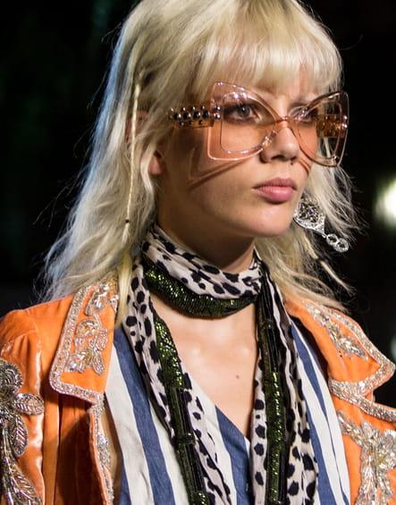 Les lunettes kitsch du défilé Roberto Cavalli