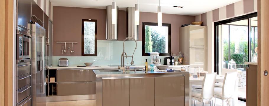 ilot central de cuisine choix du mod le plan id es d 39 am nagement. Black Bedroom Furniture Sets. Home Design Ideas