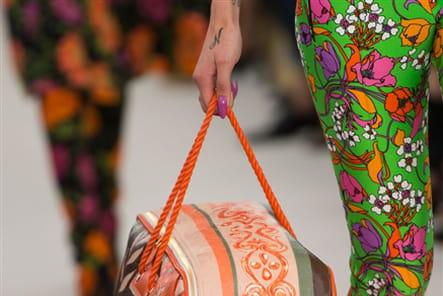 Balenciaga (Close Up) - photo 32