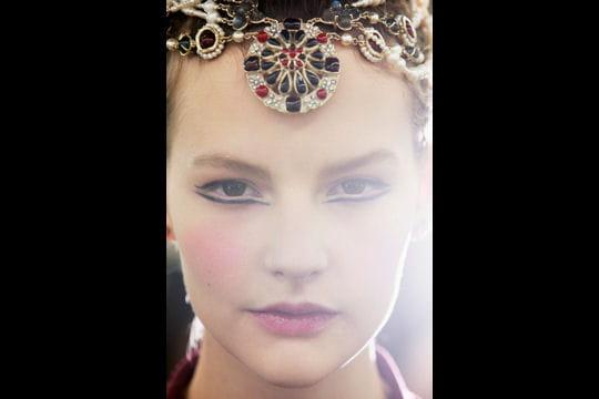 Défilé Chanel Paris Edimbourg 2012-2013: bijou de tête