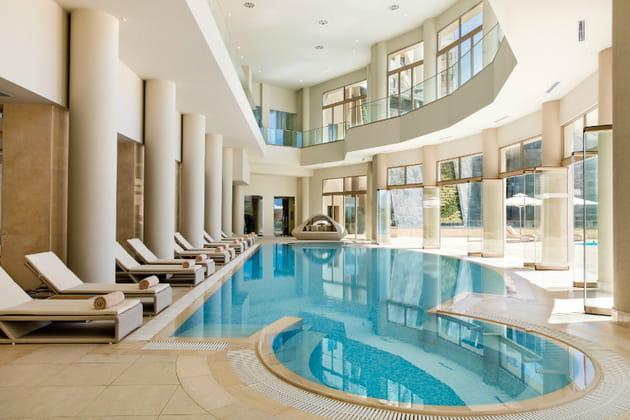 La piscine du spa Area à l'hôtel Ikos Oceania