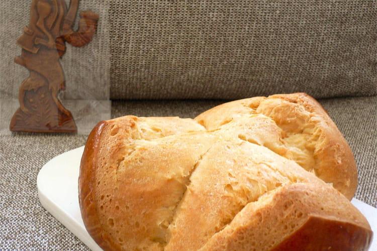 Brioche autrichienne de Pâques (Pinze)