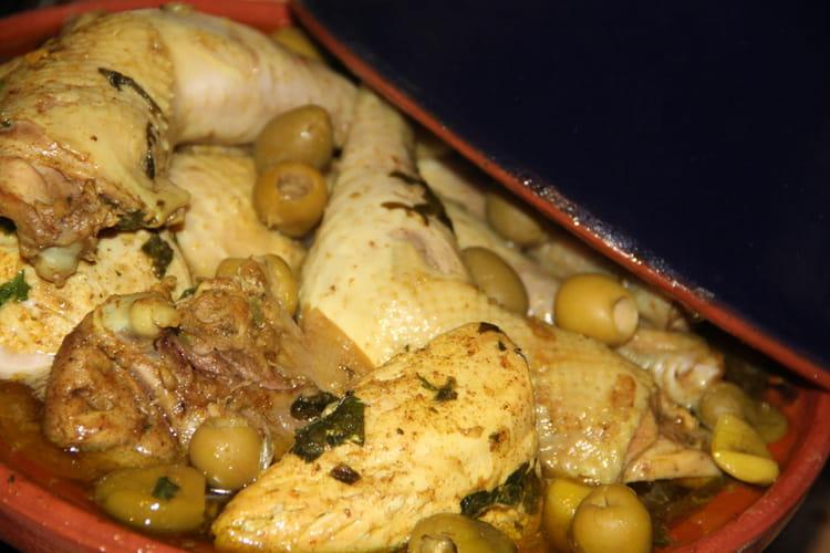 Tajine de poulet, citron confit et olives
