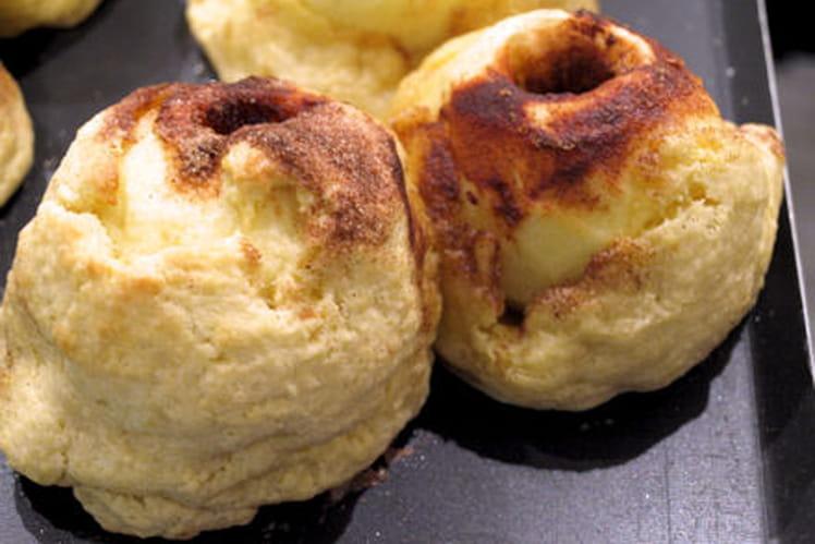 Pomme d'automne en pâte brisée, sauce vanillée