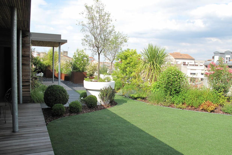 Une pelouse synth tique qui fait illusion for Ecran de jardin synthetique