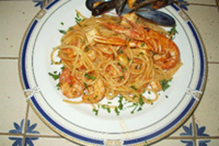 Spaghetti au saumon et fruits de mer