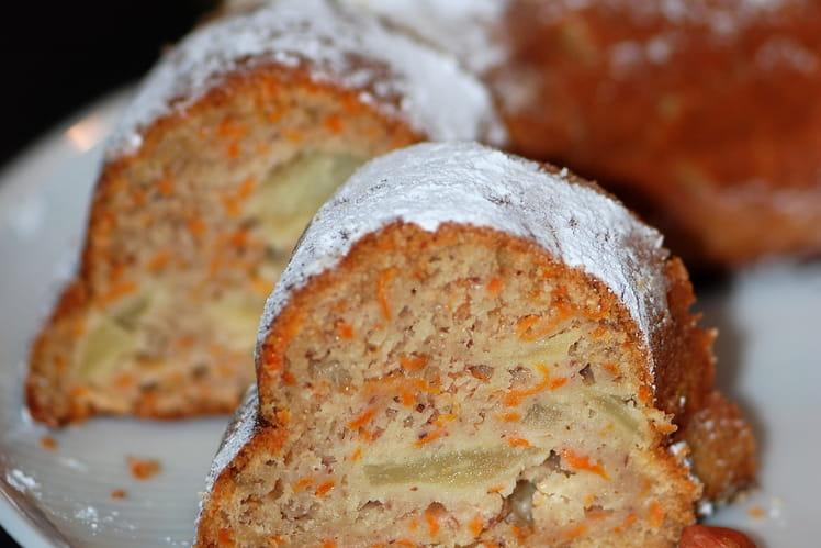 Gâteau aux pommes, carotte, farine de châtaigne et miel