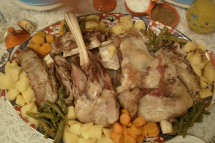 Epaule d'agneau à la vapeur et aux légumes