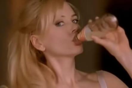 Nicole Kidman, envoûtante pour Schweppes