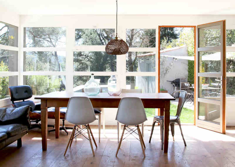 ambiance mix and match dans la salle manger. Black Bedroom Furniture Sets. Home Design Ideas