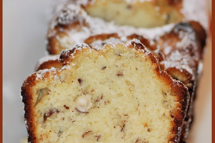 Cake au chocolat blanc et noisettes