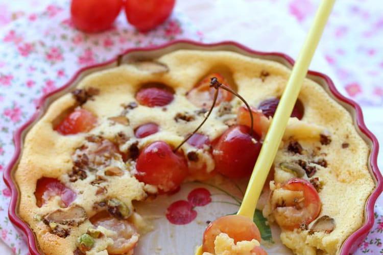 Clafoutis cerises blanches, mascarpone et pistaches torréfiées
