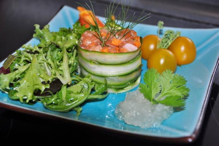 Tartare de saumon frais aux asperges, gel de citron vert