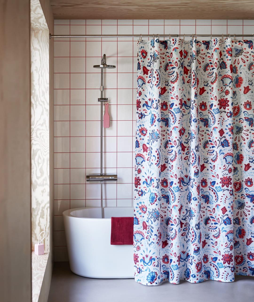 Oui, le rideau de douche peut-être tout sauf ringard !