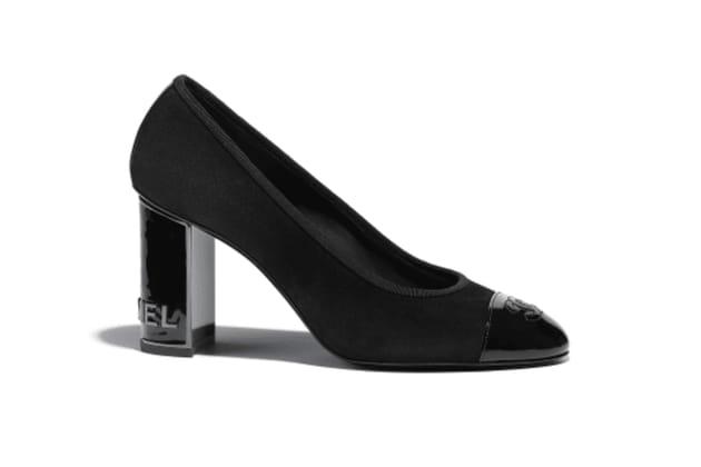 Escarpins logo de Chanel