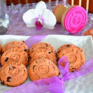 biscuits à la poudre de biscuit rose et canneberges