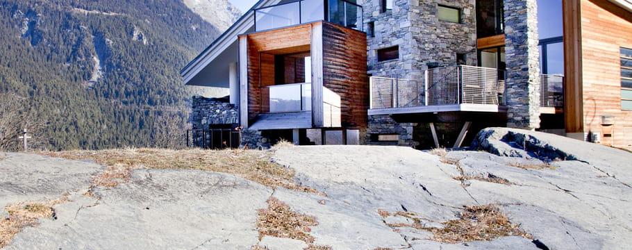 La pierre pour une d coration naturelle et brute - Maison en pierre giordano hadamik architects ...