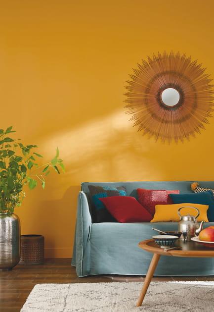 Un salon jaune méditerranéen