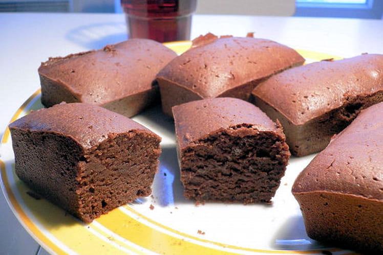 Moelleux de chocolat noir au raisin rouge