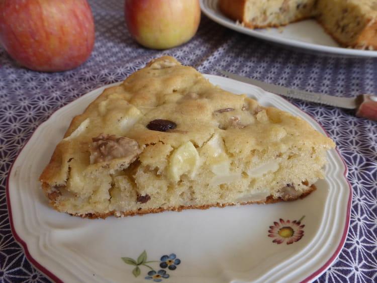 Recette de moelleux aux pommes noix et raisins secs - Gateau aux noix et pommes ...