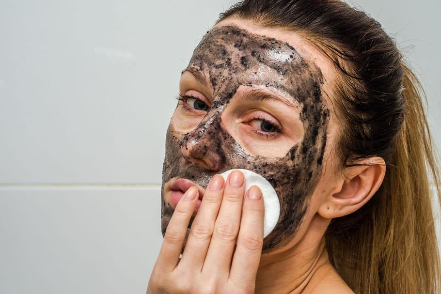 Meilleurs masques au charbon pour une peau parfaite