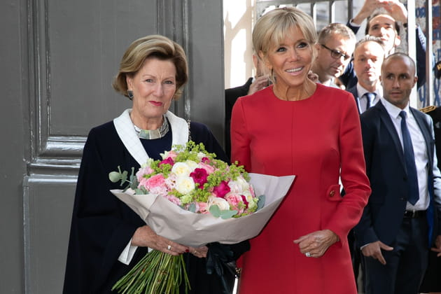 La reine de Norvège Sonja Haraldsen et Brigitte Macron à Rouen