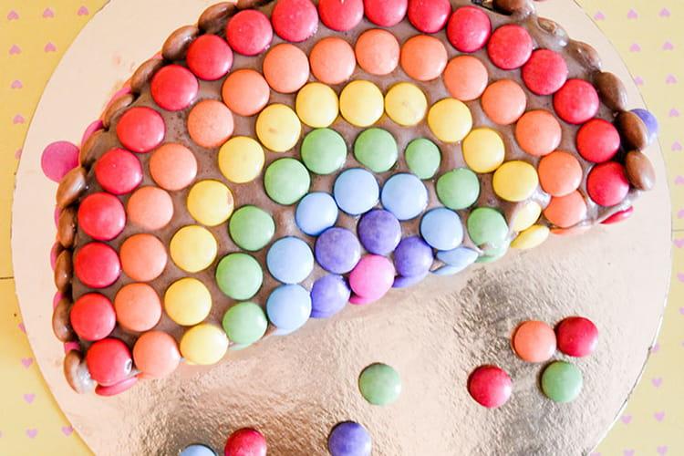 Gâteau arc-en-ciel chocolat et smarties