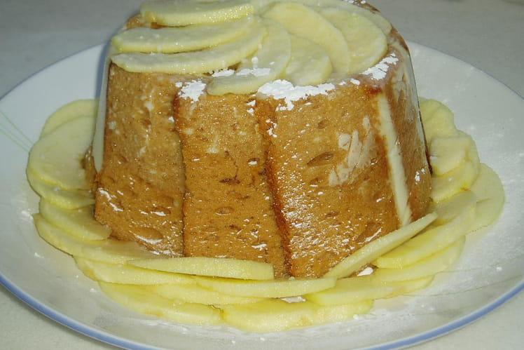 Charlotte aux pommes et au pain d'épices
