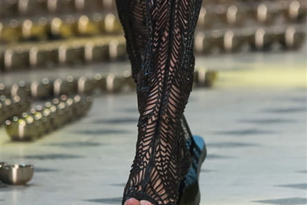 Iris Van Herpen (Close Up) - photo 14