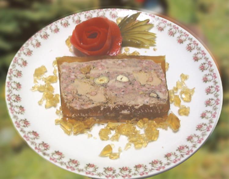 recette de terrine de faisan aux noisettes et foie gras la recette facile. Black Bedroom Furniture Sets. Home Design Ideas