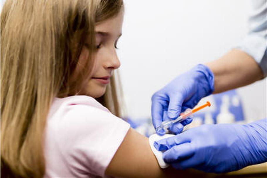 Cancer du col de l'utérus : vacciner dès 9 ans ?