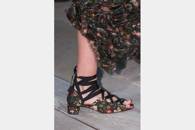 Erdem (Close Up) - photo 33