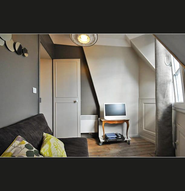 Un salon qui se transforme en chambre à coucher