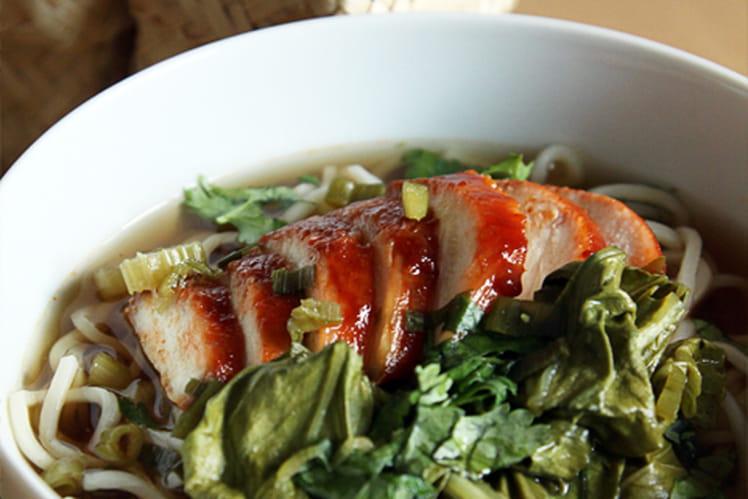 Soupe chinoise au poulet laqué