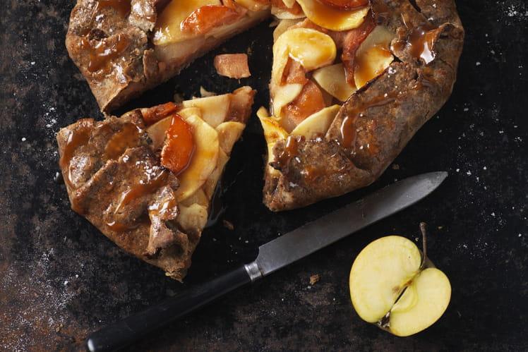 Tarte rustique pommes, coings, caramel au beurre salé et sa pâte brisée sans gluten au sarrasin et graines de chia