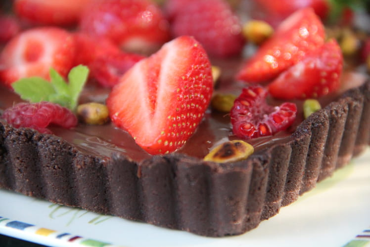 Tarte au chocolat et aux fruits rouges
