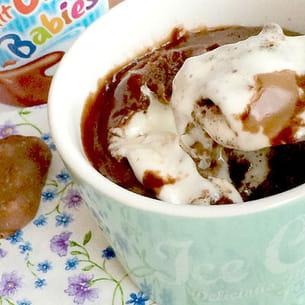 mug cake choco fondant et petit ourson guimauve