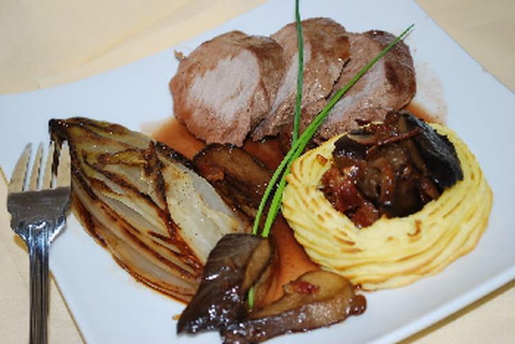 Filet de marcassin, endives braisées et champignons