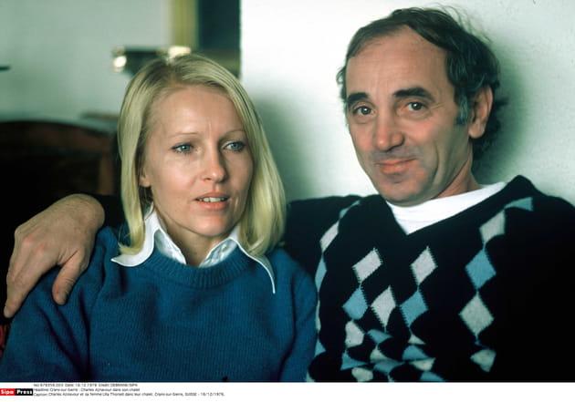 Cliché d'Ulla et Charles dans leur chalet suisse, en 1976
