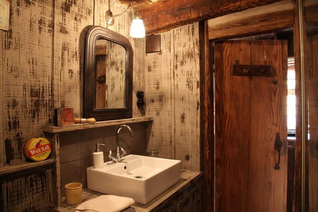 le charme du bois vieilli. Black Bedroom Furniture Sets. Home Design Ideas