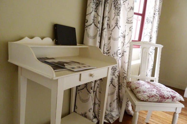 le bureau de la chambre toile. Black Bedroom Furniture Sets. Home Design Ideas