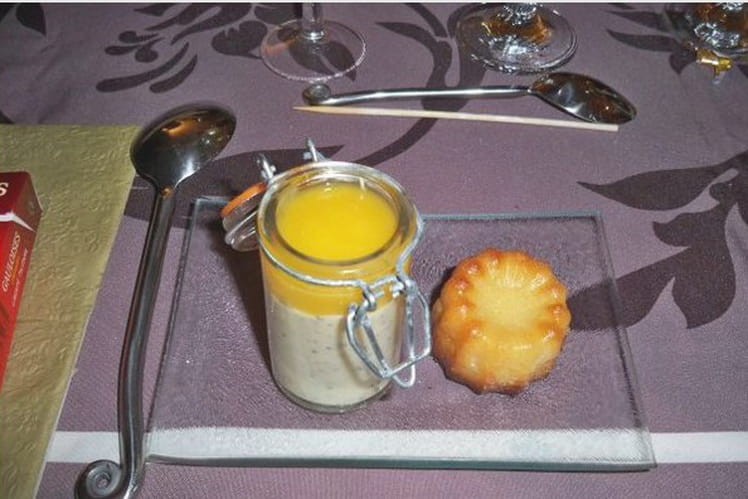 Mousse de fruits de la passion et coulis de mangue