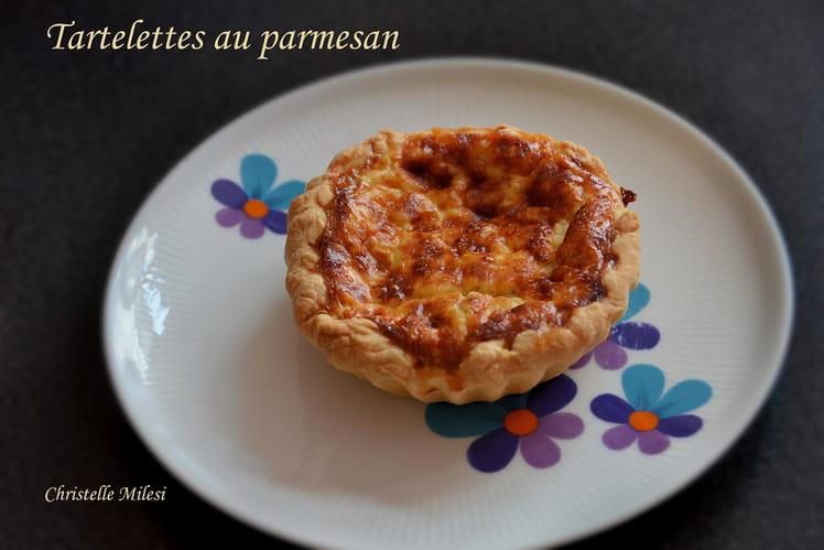Tartelette au parmesan et tomates séchées
