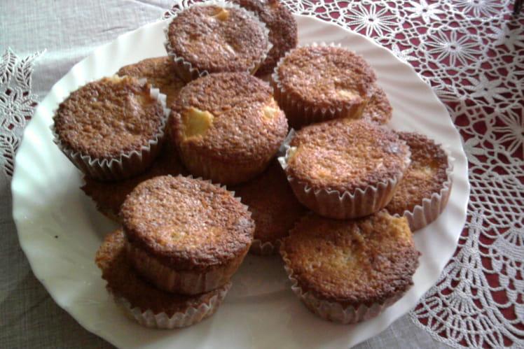 Muffins à l'ananas et à la cannelle