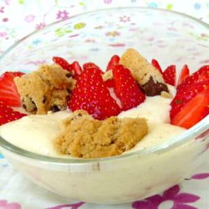 mousse de mascarpone, fraises et cookies