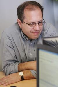 henri pawin exerce dans un cabinet parisien, dans le xvie arrondissement.